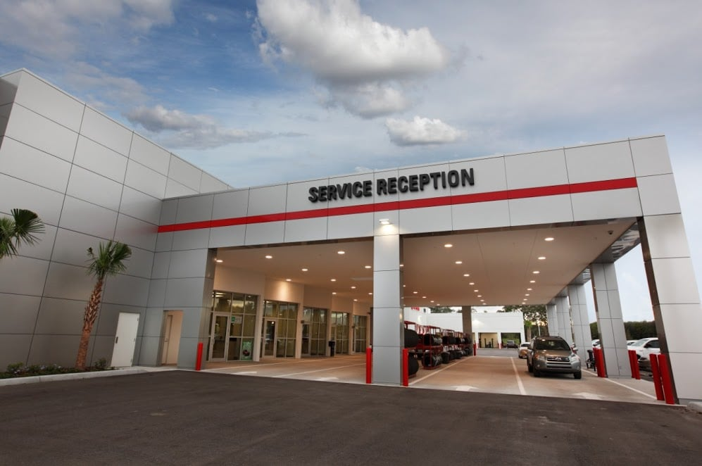 Service Department Reception, Sun Toyota - located at 3001 US Highway 19, Holiday, Florida 34691